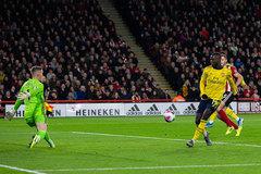 HLV Emery công khai chê hợp đồng đắt giá nhất Arsenal
