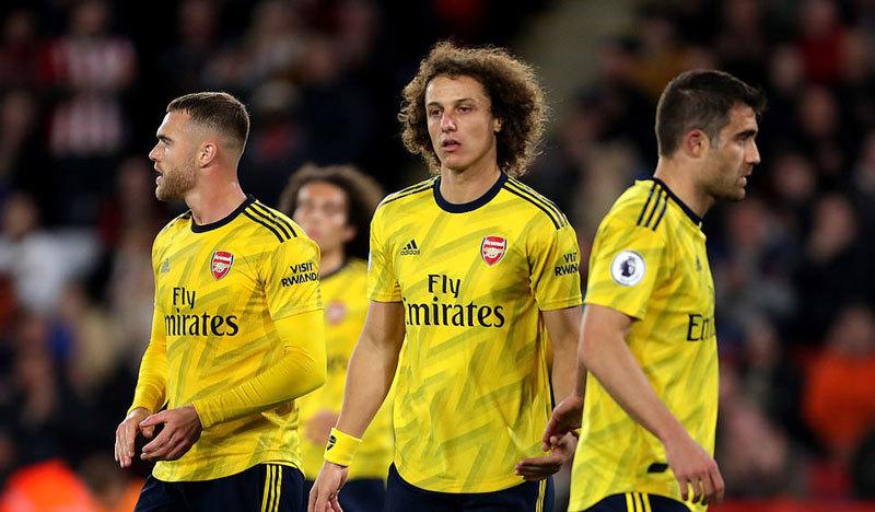 Arsenal thua bẽ bàng trước tân binh Sheffield