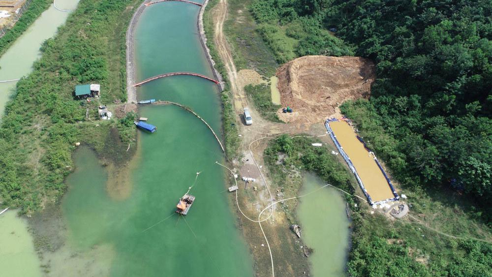 Khi nước thải từ trang trại lợn cách chỗ cấp nước sinh hoạt vài km