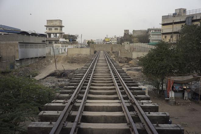 Vỡ mộng với Trung Quốc, Pakistan nhờ Nhật Bản cứu dự án đường sắt