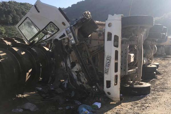 Xe chở đá bị lật, 2 công nhân thủy điện Đắk Trưa 2 thiệt mạng