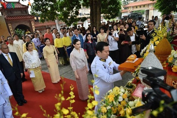 Vietnam Buddhist Sangha,robe offering,ceremony,Kathina,Thai King,people-to-people exchange,traditional ritual