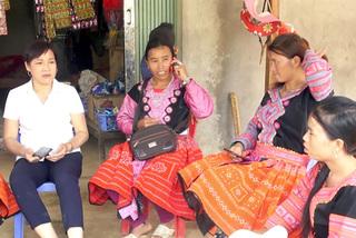 Teacher helps eradicate illiteracy in remote Hoa Binh areas