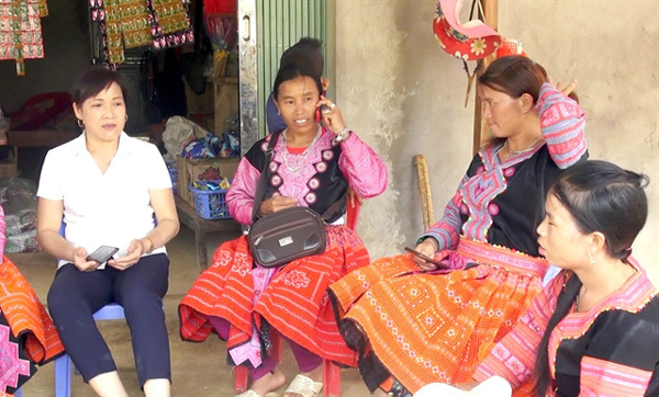 Teacher helps eradicate illiteracy in remote Hoa Binh areas