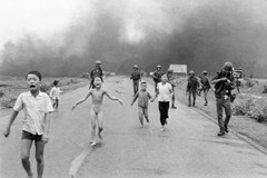 'Napalm girl' tops list of world's most powerful news images