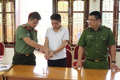 Bắt tạm giam nguyên Phó giám đốc Sở GD&ĐT Sơn La Trần Xuân Yến