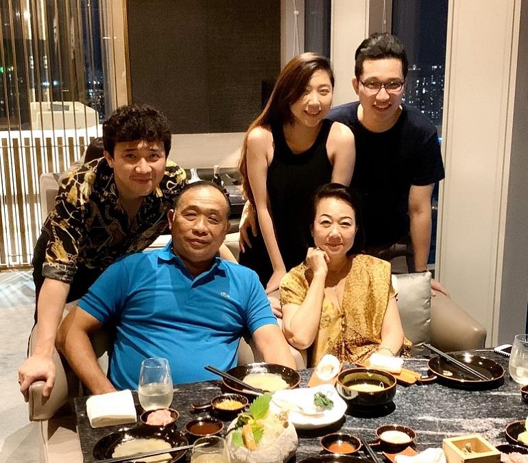 Trấn Thành nói lý do Hari Won vắng mặt trong tiệc sinh nhật mẹ chồng