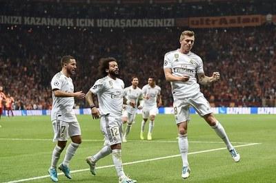 Hazard châm ngòi, Real thắng trận đầu tiên tại Champions League