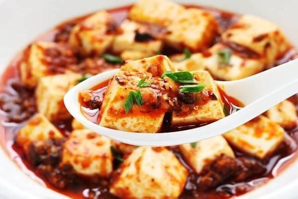 Trổ tài bếp núc với món đậu phụ sốt Tứ Xuyên thơm nức mũi
