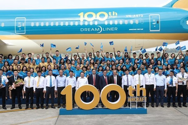 Vietnam Airlines welcomes 100th aircraft to its fleet