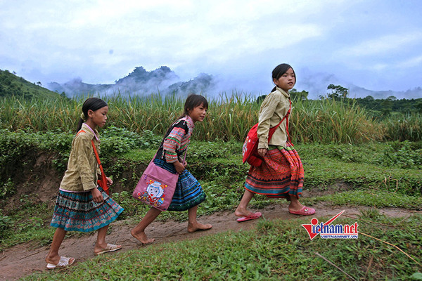 Bảo đảm quyền bình đẳng, phát triển đồng đều giữa các dân tộc