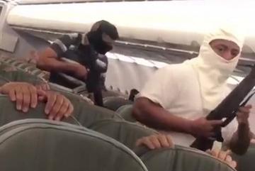 Thực hư đoạn video khủng bố cướp máy bay gây bão mạng