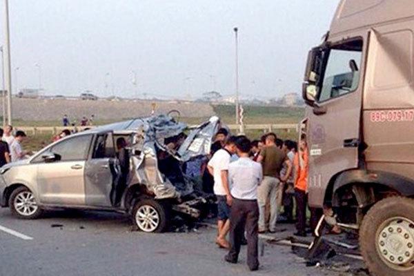 Tiếp tục trả hồ sơ vụ xe Innova lùi trên cao tốc làm 4 người chết