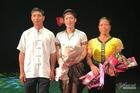 Chàng trai mê múa trở thành thủ khoa đầu tiên của bản người Thái