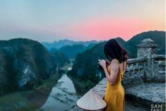 """Theo chân giới trẻ đi """"chụp cả thế gian"""" bằng Galaxy A50s"""