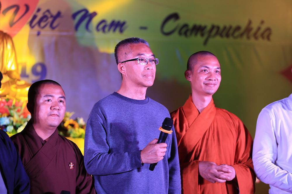 đạo Phật,Phật giáo,Tỷ phú