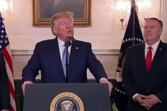 """Đặc phái viên Mỹ tố """"thảm kịch"""", ông Trump vẫn bỏ trừng phạt Thổ"""