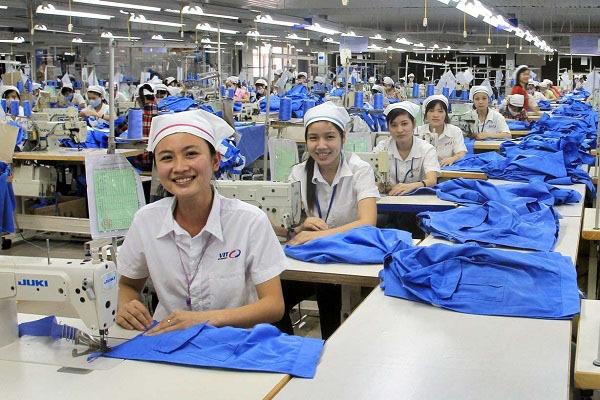 Người lao động làm việc 8 giờ hay 7,5 giờ/ngày?