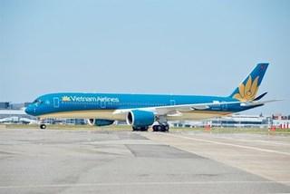 Vietnam Airlines raises salary for its pilots