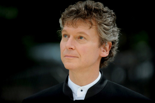American conductor Christopher Zimmerman leads concert at Opera House