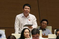 Bị kỷ luật thì không gọi là nguyên bộ trưởng, truất lương hưu vĩnh viễn