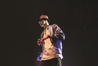 Vietnamese rapper Den Vau's concert sells 5,000 tickets in 10 minutes