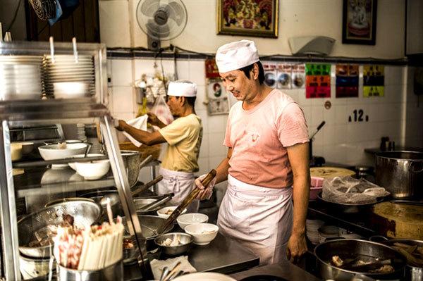 HCM City's District 5 introduces delicious local cuisine to tourists