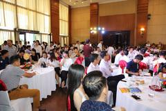 Chen chân đặt chỗ tại lễ ra mắt dự án Hoa Xa Tower