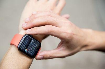 Sau iPhone, đến lượt Apple Watch cũng bị khóa từ xa tại Việt Nam