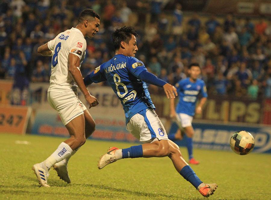 Tuyển Việt Nam đấu UAE, Thái Lan: Lo vì thầy Park chọn... an toàn