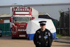39 nạn nhân chết từ 12 tiếng trước khi vào Anh