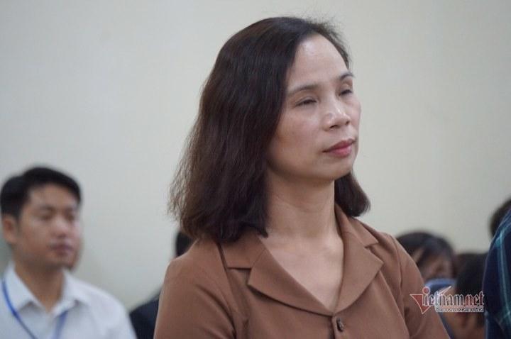 Vợ Chủ tịch tỉnh Hà Giang bị kỷ luật vì tin nhắn nâng điểm