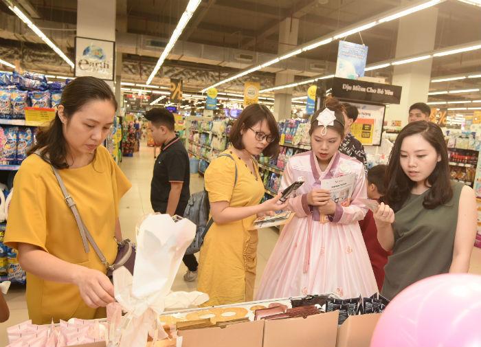 Hàng tiêu dùng Hàn Quốc tràn lên kệ siêu thị Việt