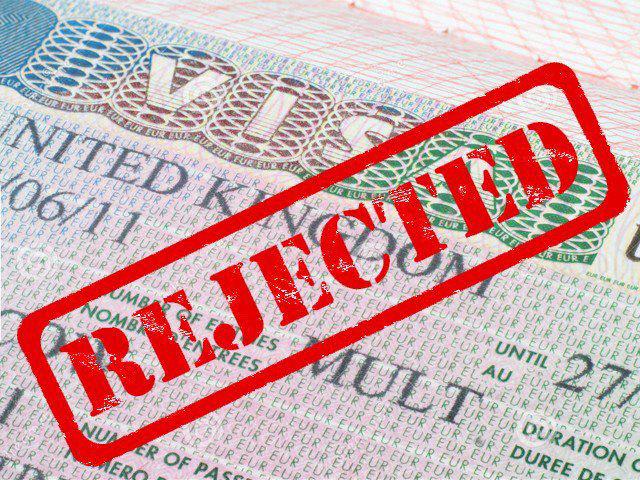 Khổ như… người Việt đi nước ngoài