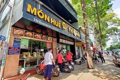 Investors sue founder of loss-making eatery chain Mon Hue