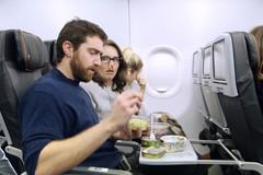 Những kiểu hành khách khiến người khác phát điên trên máy bay