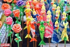 Toy figurine making in Xuan La village