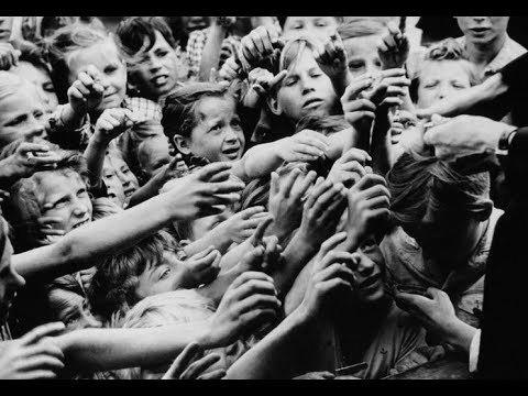 Kiệt quệ sau chiến tranh, Đức trỗi dậy thành siêu cường như thế nào?
