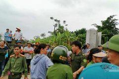 153 người cưỡng chế trại gà ở Hà Nội