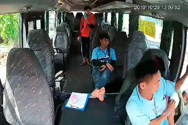 Chủ xe khách ở Quảng Bình đánh tài xế xe buýt, bắt thả nữ hành khách