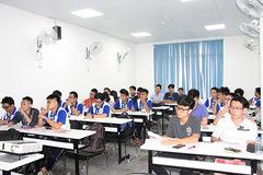 Vietnam seeks solution to restructure university system