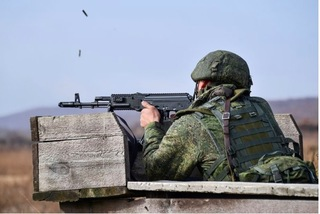 Lính Nga bất ngờ bắn chết 8 bạn đồng ngũ