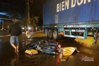 Nam công nhân bị container tông chết trên đường đi làm ở Đà Nẵng