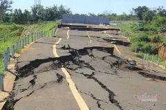 Công an điều tra vụ đường tránh 250 tỷ đứt gãy như động đất ở Gia Lai