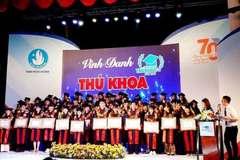 TPHCM vinh danh 66 thủ khoa xuất sắc năm 2019