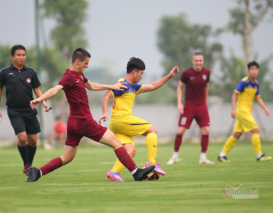 'Phù thuỷ trắng' ra tay, U19 Việt Nam thắng FK Sarajevo