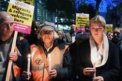 Đại sứ Việt Nam tại Anh đến hiện trường vụ 39 người thiệt mạng