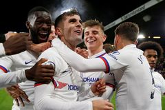 "Pulisic ""nổ"" hat-trick, Chelsea thắng tưng bừng"