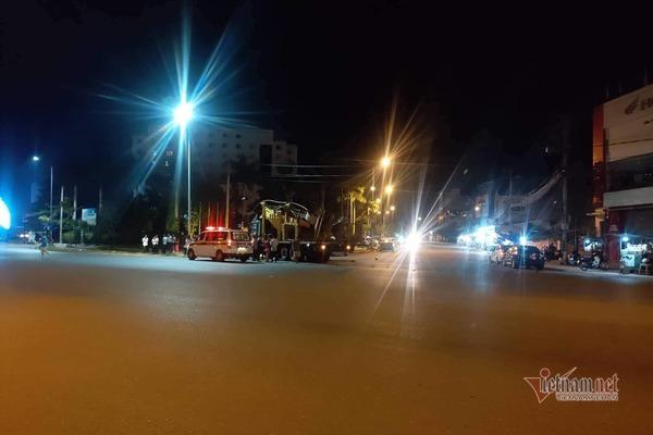 Va chạm với xe tải, thanh niên Quảng Trị tử vong tại chỗ