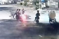 Đánh người cướp xe táo tợn ở khu Nam Sài Gòn
